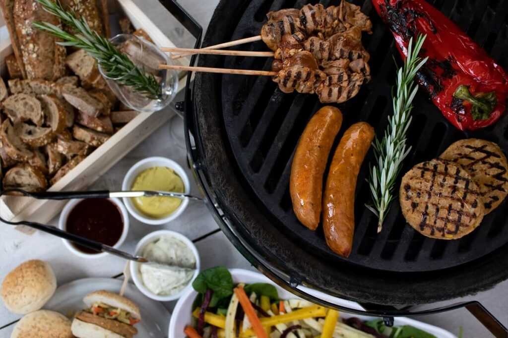 Diner barbecue catering