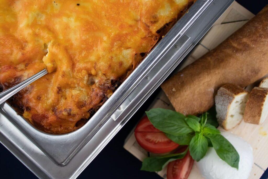 diner maaltijd catering lasagne